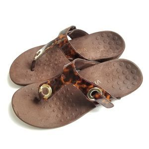 Vionic Lana Thong Sandals Brown Animal Print 8